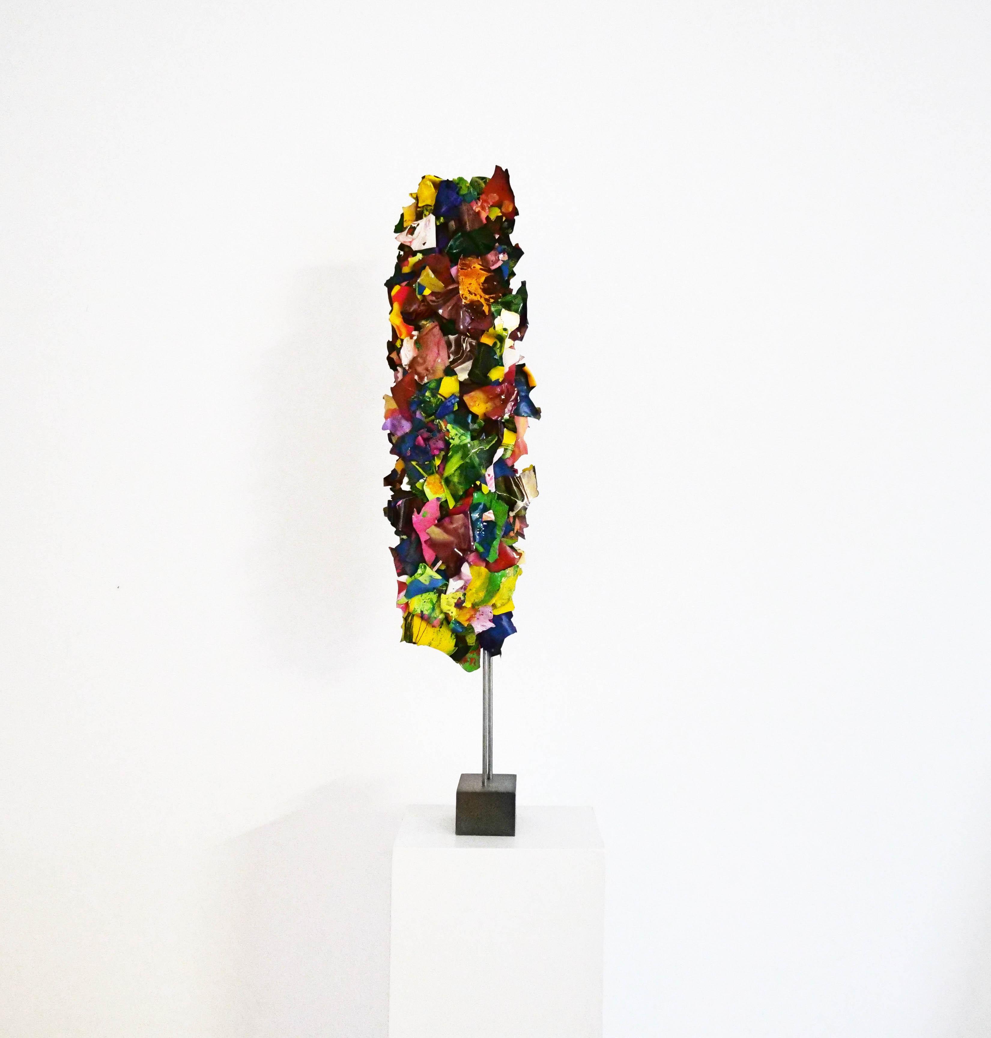 "Ariane Kipp, ""Levatis"", 2018, Lack und Stahl, 84 cm"